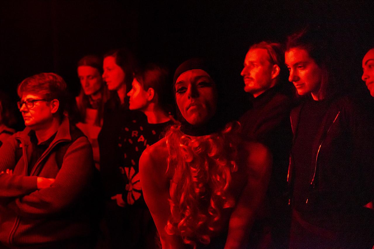 Dirty Debüt S2#5-Pain Killer | NudE NuNs w/BiG GuNs by Nastja Antonenko, Josephin Hanke, Lucky Hole, Bo Thomas, Laurean Wagner | Photo © Anna Agliardi